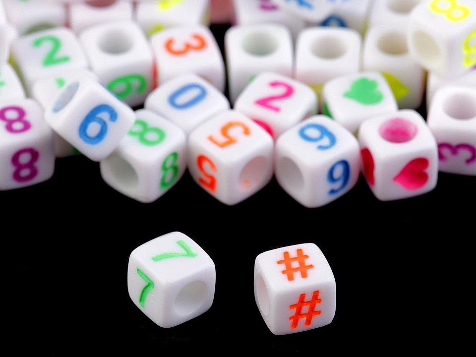 Plastové korálky s písmeny a čísly kostka 6 mm, barva 1 mix barev čísla