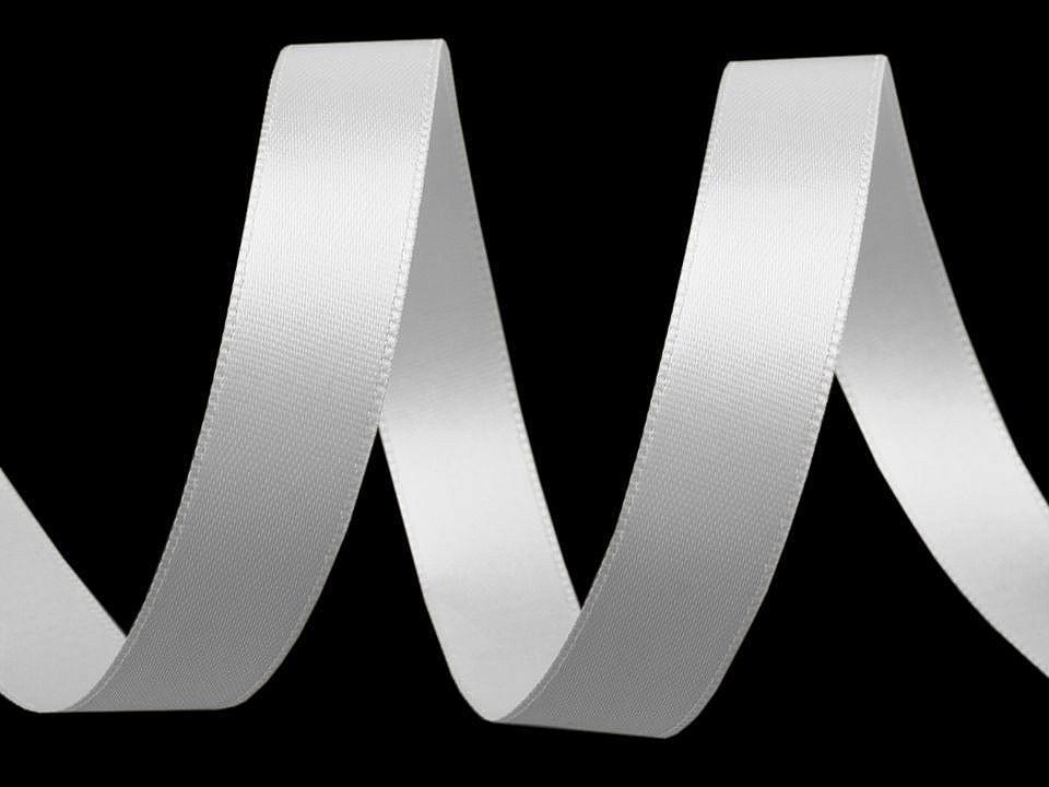 Atlasová stuha oboulící šíře 15 mm