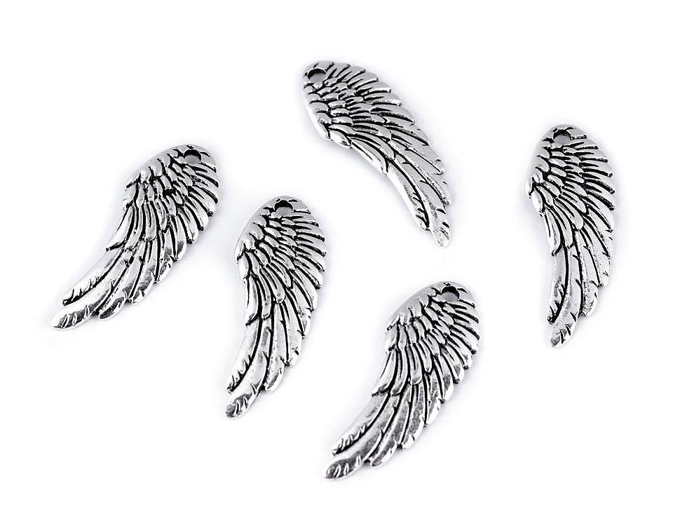 Přívěsek andělské křídlo 10x26 mm, barva 1 platina s patinou