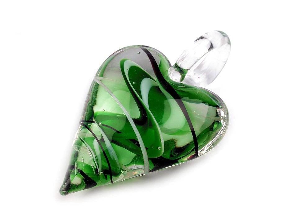 Skleněný přívěsek srdce 30x45 mm, barva 4 zelená pastelová